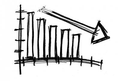 Počet insolvenčních návrhů se v dubnu propadl o třetinu, lidé s řešením dluhů vyčkávají.